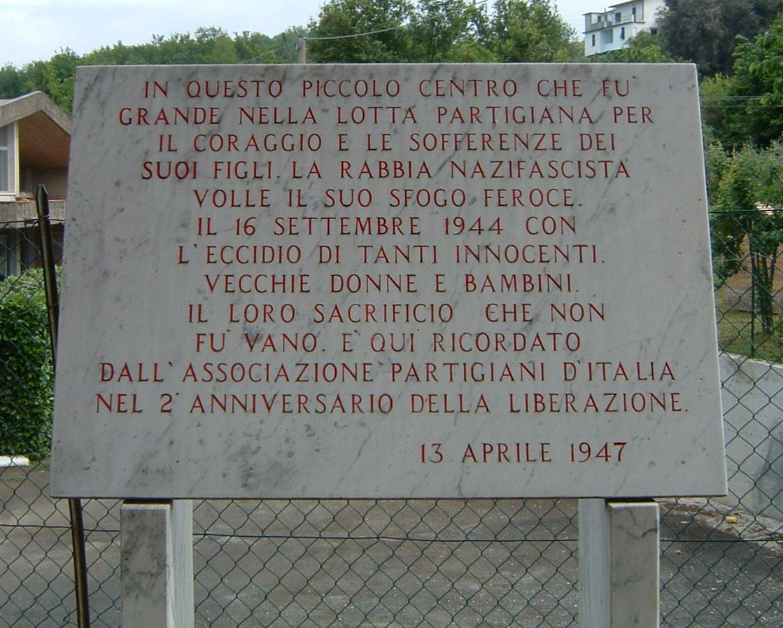 lapide ricordo strage Bergiola Foscalina (Carrara)
